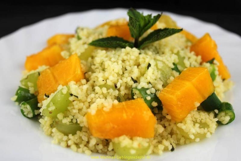 Fruchtiger Couscoussalat mit Sharon-Frucht