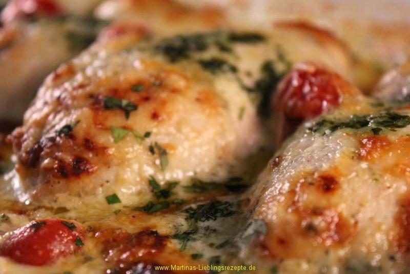 Hähnchenbrustfilet mit Mozzarella-Basilikum-Sahnesauce