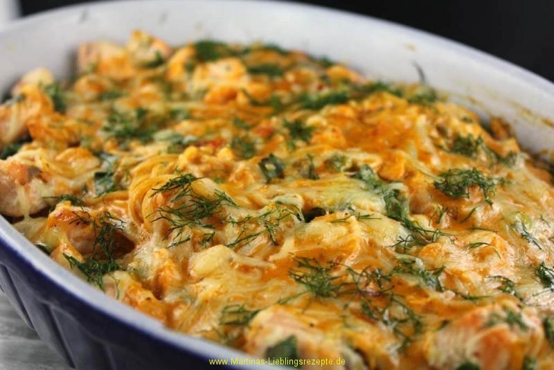 Spaghetti-Lachs Auflauf mit Frühlingszwiebeln