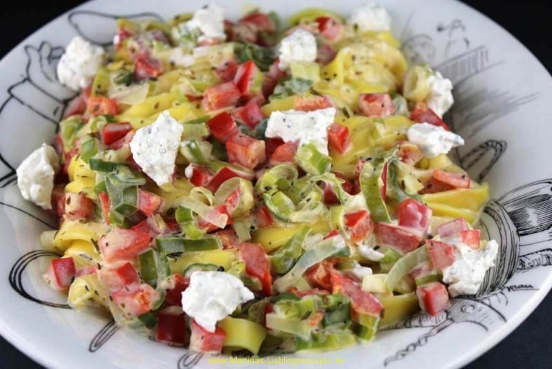 Tagliatelle mit Robiola-Paprika-Sauce