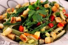 Bandnudeln mit buntem Gemüse und Salicorners