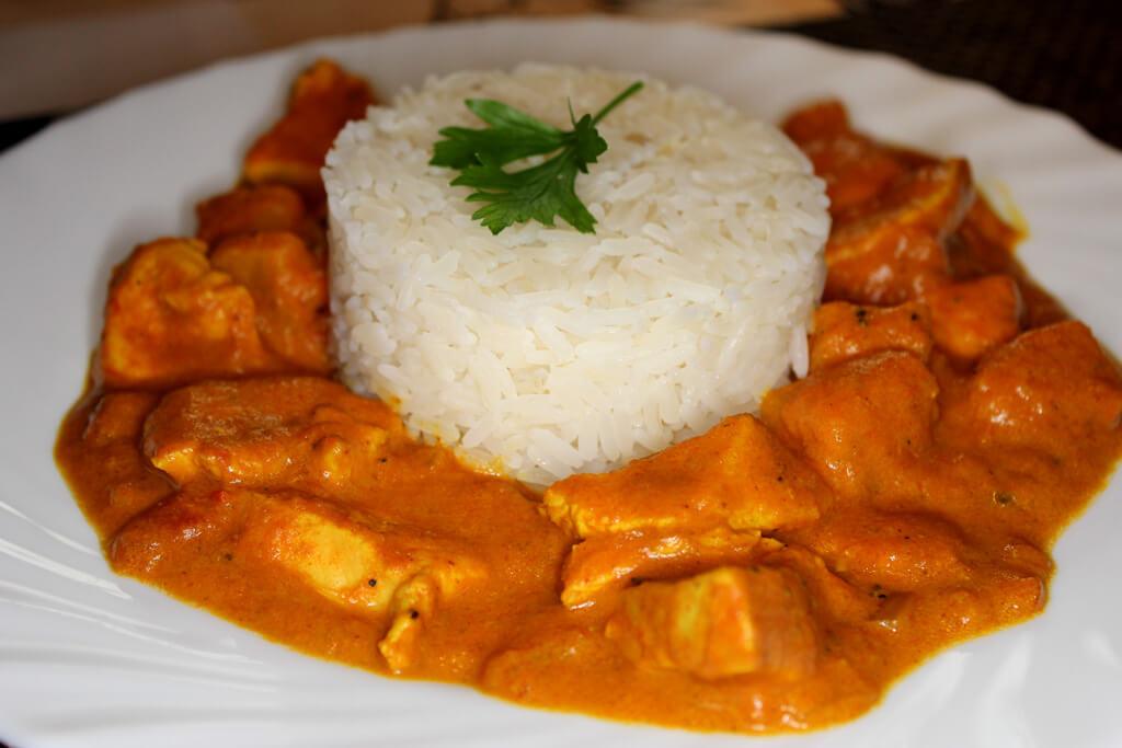 Fruchtig, scharfes Hähnchen-Curry
