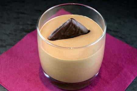 Foto zum Rezept: Schokoladenmousse mit Pfefferminztäfelchen