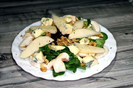 Foto zum Rezept: Bunter Salat mit Birne auf www.martinas-lieblingsrezepte.de