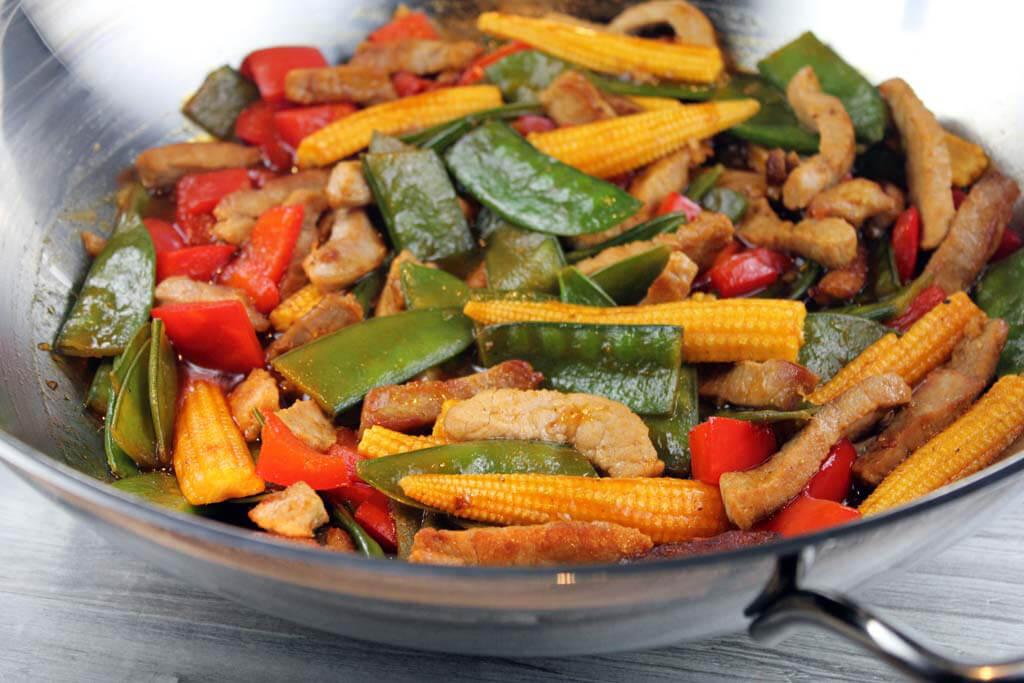 Schweinefleisch süß-sauer mit Wok-Gemüse