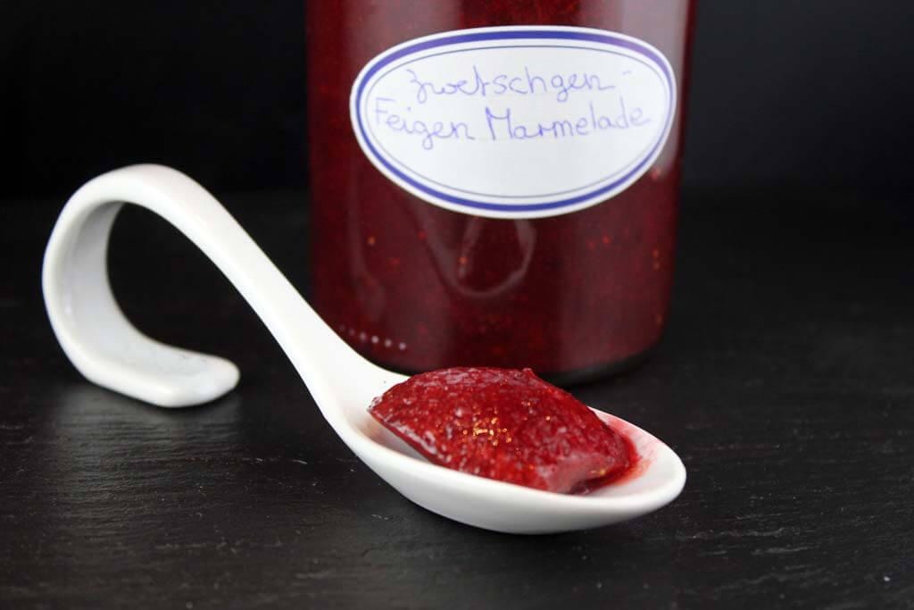 Rezept zum Foto: Zwetschgen-Feigen Marmelade auf www.martinas-lieblingsrezepte.de