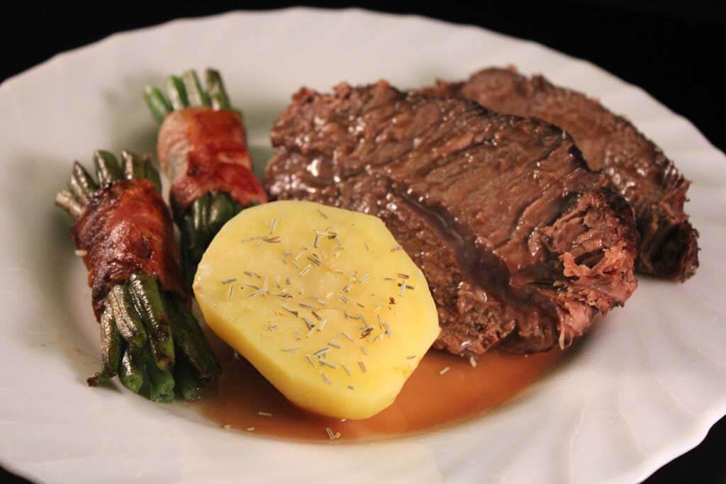 Foto zum Rezept: Sous-Vide gegarter Rinderschmorbraten auf www.martinas-lieblingsrezepte.de