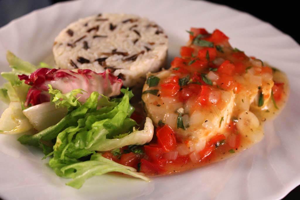 Foto zum Rezept: Thunfischsteaks mit Zitronen-Estragon-Sauce auf www.martinas-lieblingsrezepte.de