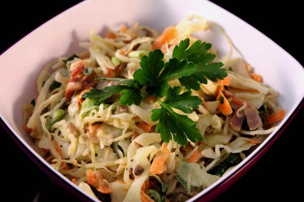 Foto zum Rezept: Weißkohlsalat auf www.martinas-lieblingsrezepte.de